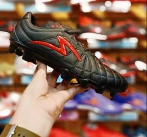 Harga Sepatu Bola Barricada Kaze FG Black Red