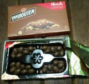 harga coklat van houten 90 gr